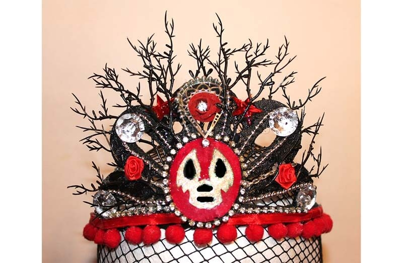 Luchadora Red & Black Crown